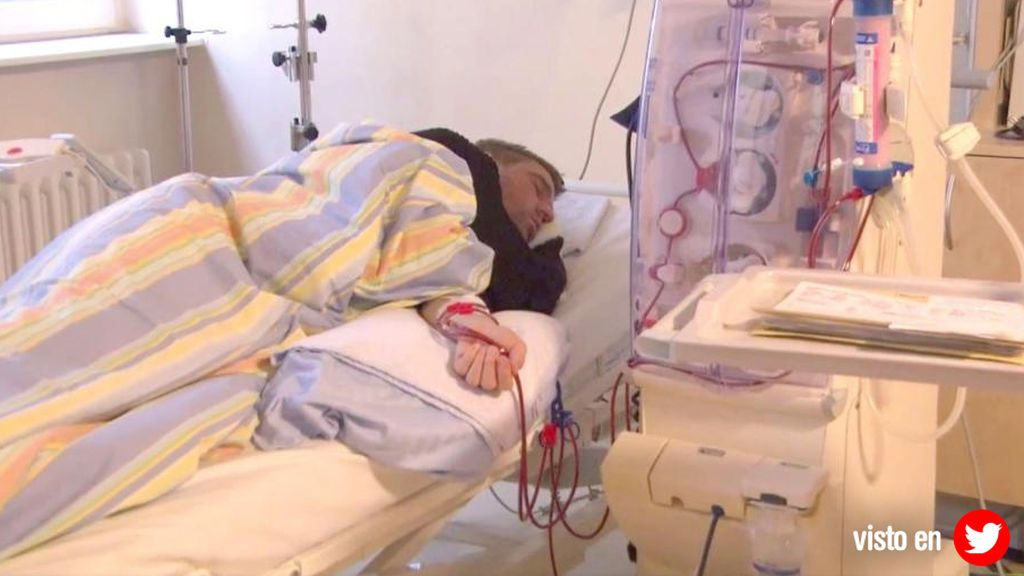 Las imágenes de Klasnic esperando su tercer trasplante conmocionan al fútbol europeo