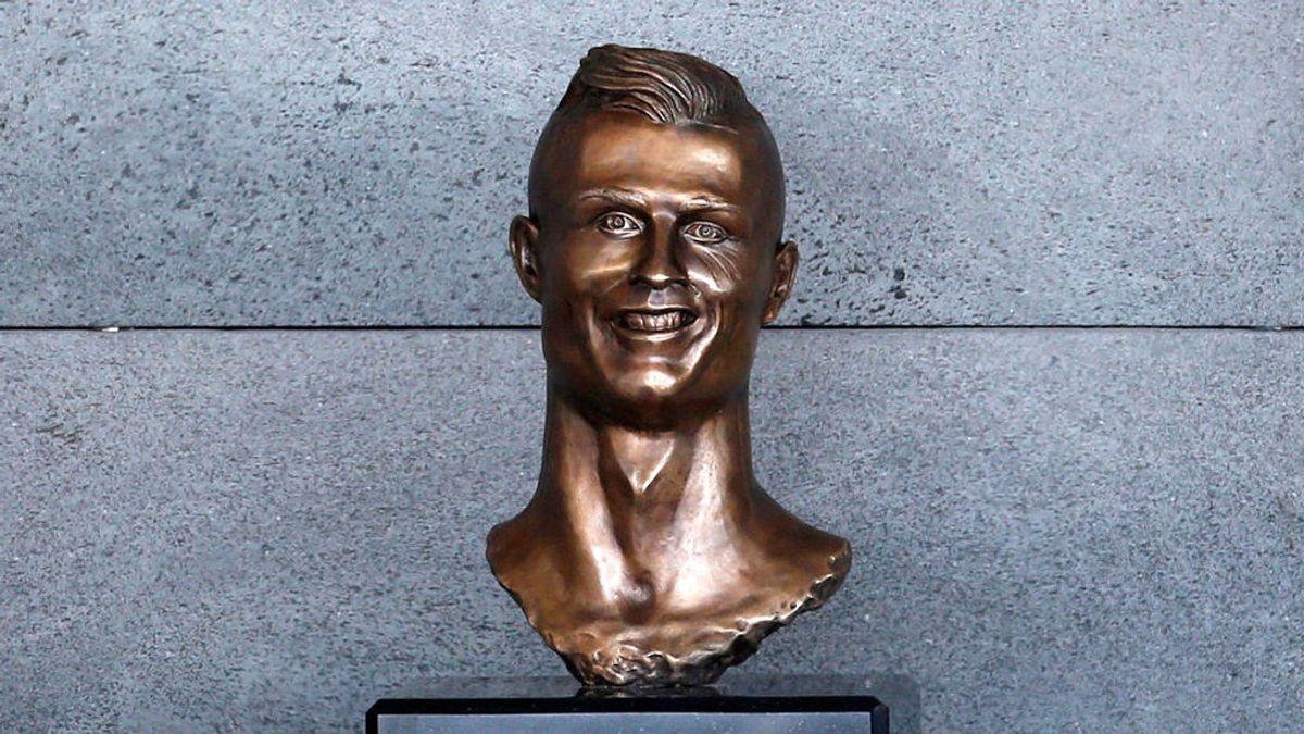 El busto de Cristiano Ronaldo en el Aeropuerto Internacional de Madeira se convierte en viral en la Red