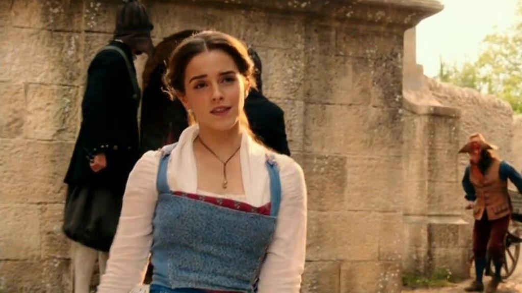 Así convirtió Emma Watson a Bella en una mujer del siglo XXI: con botas y sin corsé