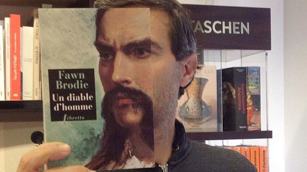 Clientes y portadas: original 'bookface' de una librería francesa