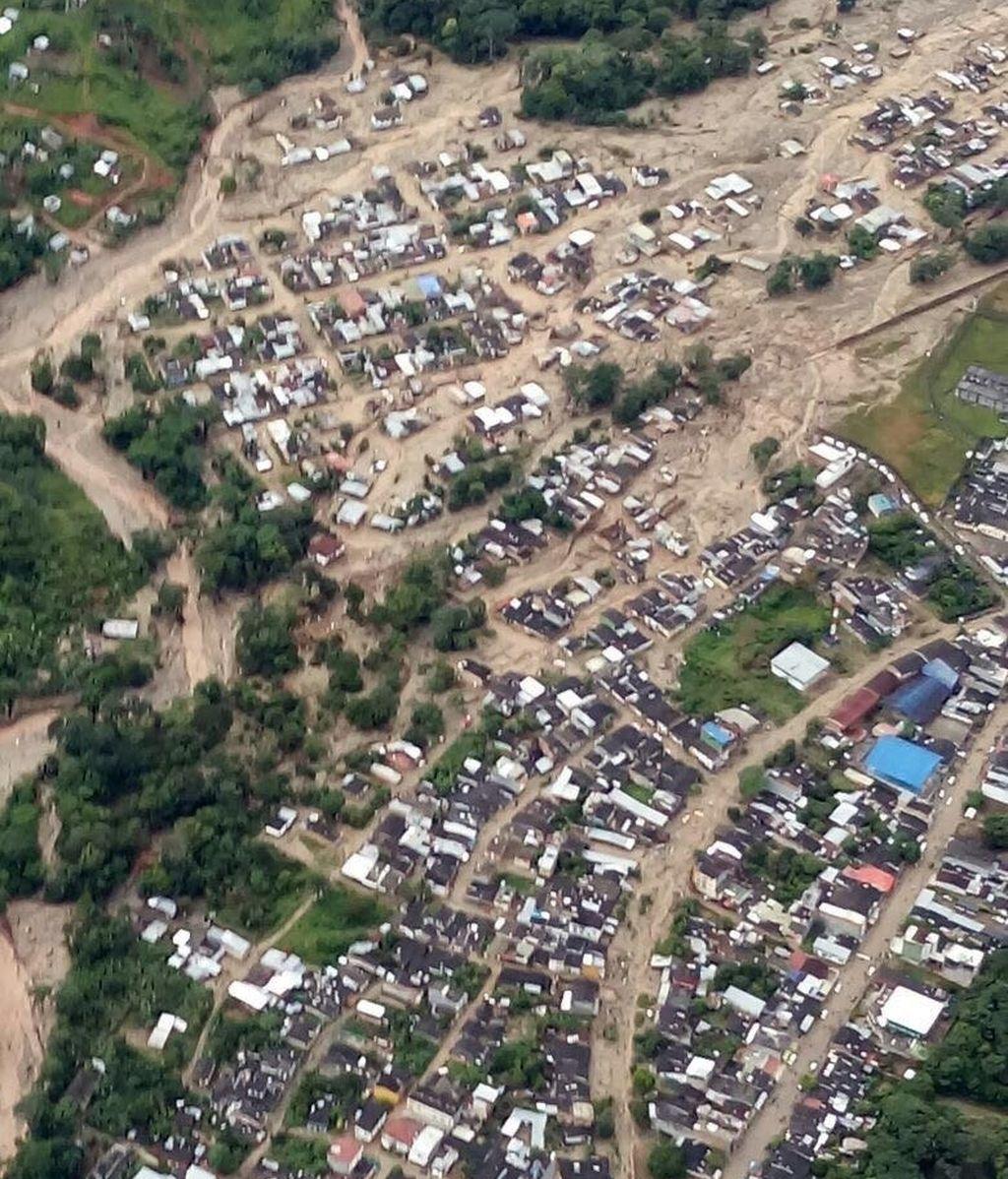 Al menos 254 personas han fallecido por la crecida de tres ríos que arrasaron varios barrios de la ciudad de Mocoa
