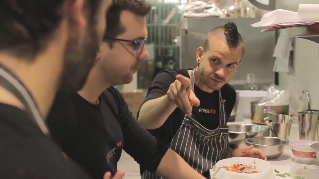 ¡Guerra en StreetXo!: Dabiz Muñoz le propina un puñetazo a un cocinero ¡y le deja K.O!