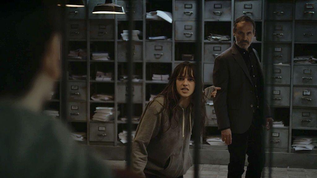 Elías manipula a su hijo para que no desvele dónde está encerrada Ana