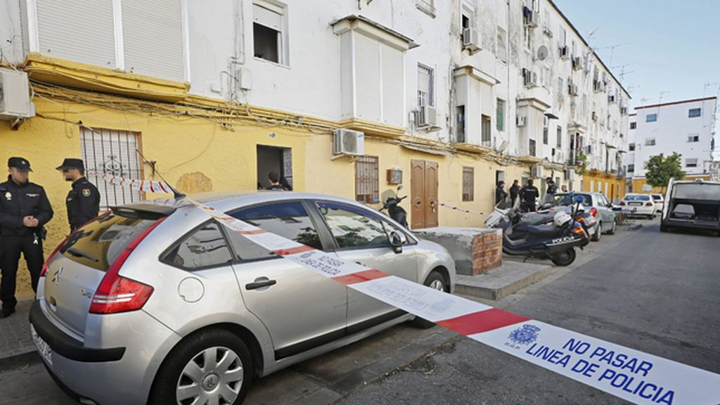 Localizan el cadáver de una mujer de 41 años apuñalada en su domicilio de Sevilla