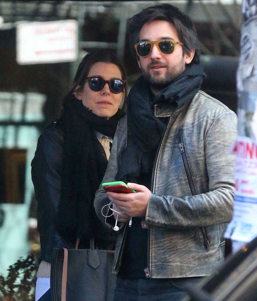 Carlota Casiraghi aterriza en Nueva York con sus dos amores