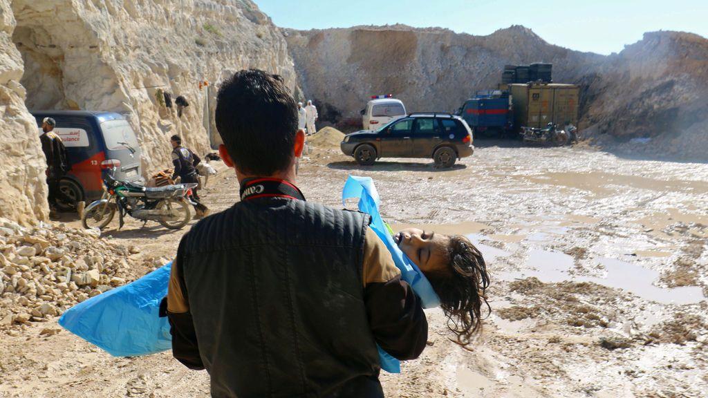 Siria: Mueren 58 personas, entre ellas 11 niños en un ataque químico en Idlib