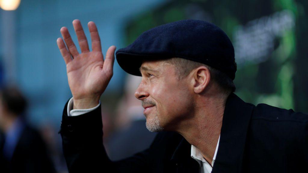 Brad Pitt  con aspecto triste y demacrado en la premiere de  'La ciudad perdida de Z'