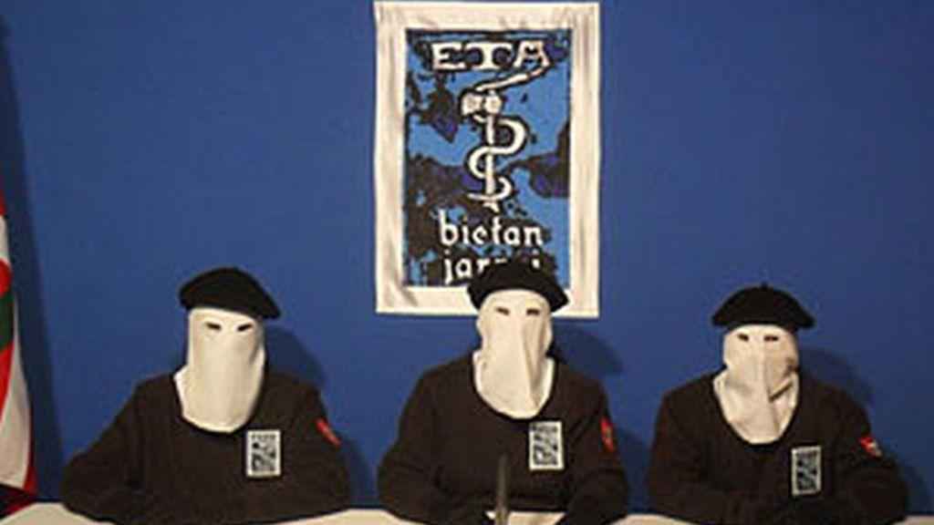 La Audiencia Nacional investigará el arsenal de armas que ETA dice que entregará el sábado
