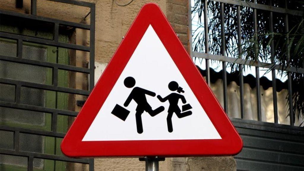 Dos niñas atropelladas, una de ellas grave, al bajar del autobús escolar en Asturias