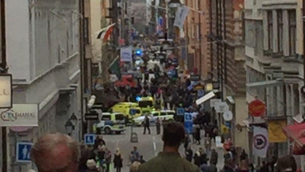 Un camión atropella a varias personas en el centro de Estocolmo