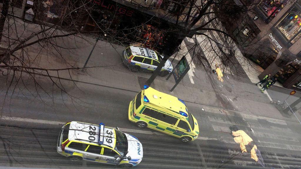 Atentado en Estocolmo: las imágenes de la tragedia