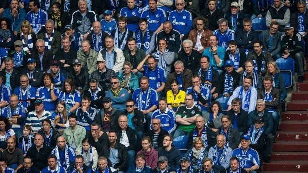 Steffi en el Schalke-Dortmund