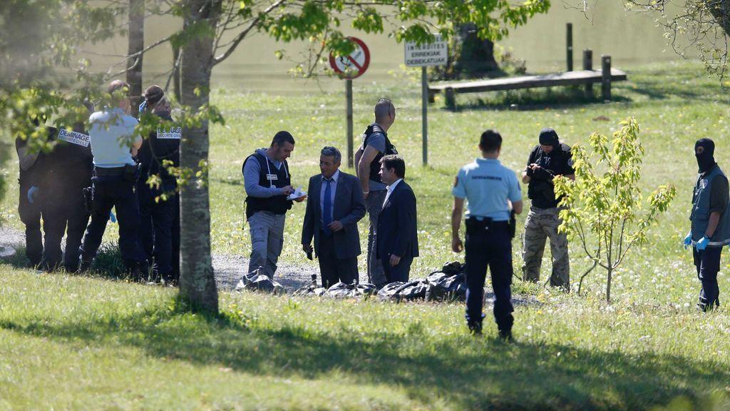 La Policía gala se despliega en las inmediaciones de Saint-Pée-sur Nivelle en busca de un zulo