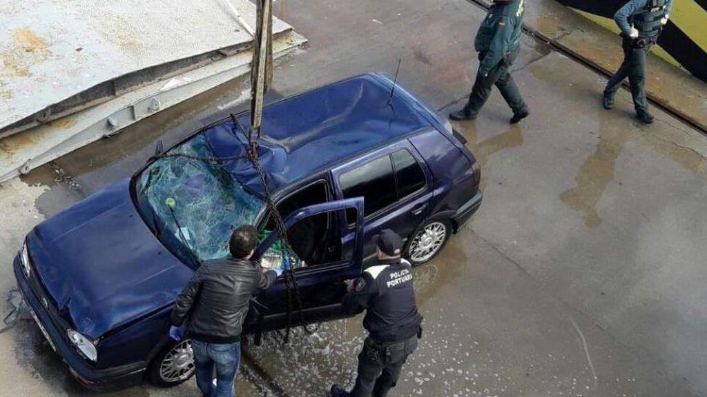 Muere ahogado un hombre al caer con su coche cuando desembarcaba del ferry en Ceuta