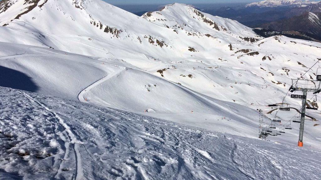 Muere un hombre en un accidente mientras esquiaba en la estación de Boí Taüll (Lleida)