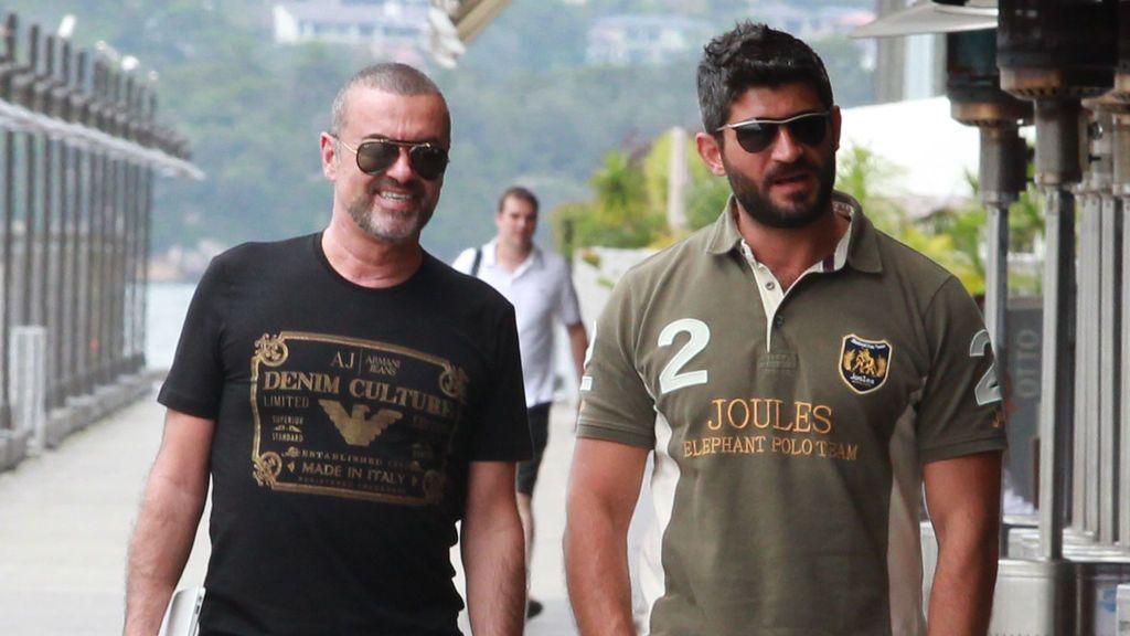 Las hermanas de George Michael echan a Fadi Fawaz de la casa del cantante