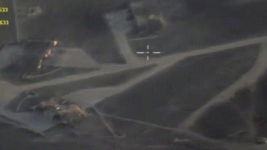 Estados Unidos ataca una base aérea en Siria