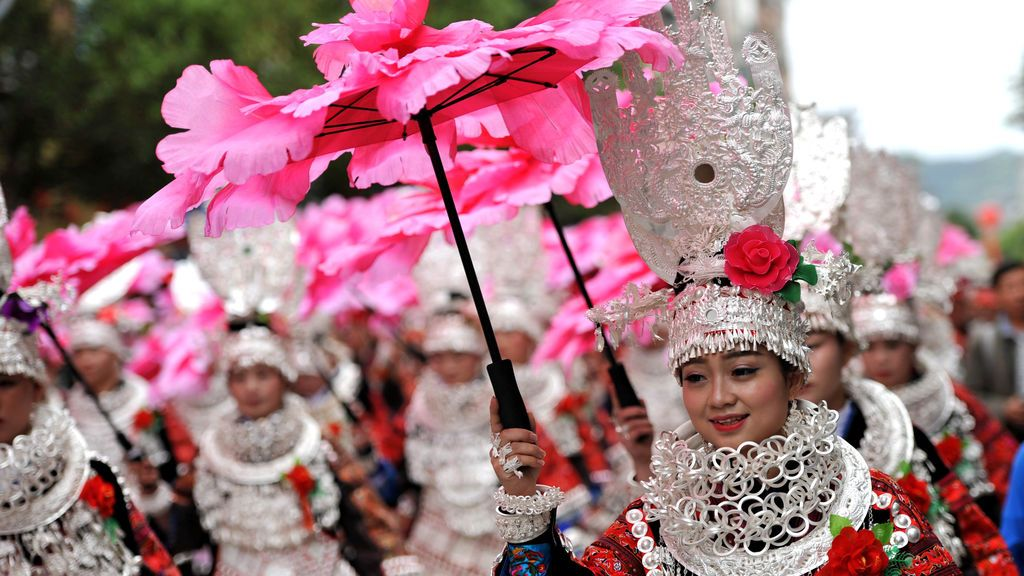 Desfile del festival local en el condado de Taijiang