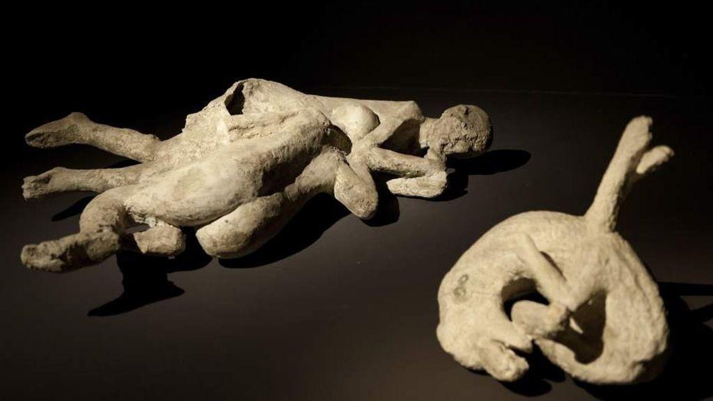 'Los amantes de Pompeya', ¿relación homosexual o amistad entre dos hombres?
