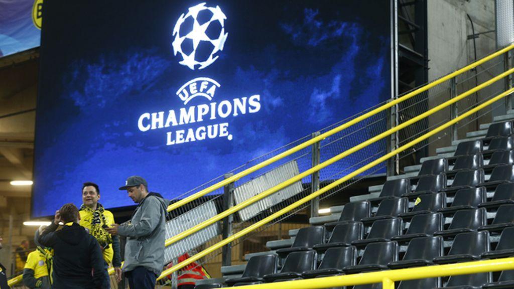 Así ha quedado el autobús del Borussia de Dortmund tras las explosiones