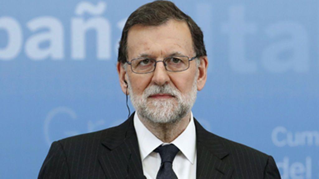 Rajoy, pendiente del estado del futbolista español Marc Bartra tras la explosión