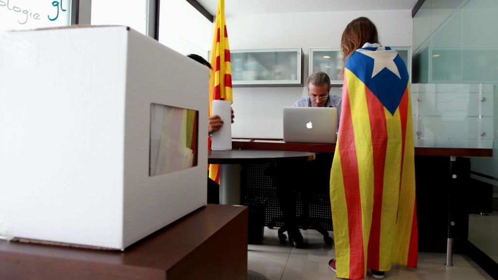 Cataluña estudia usar a parados para organizar el referéndum independentista