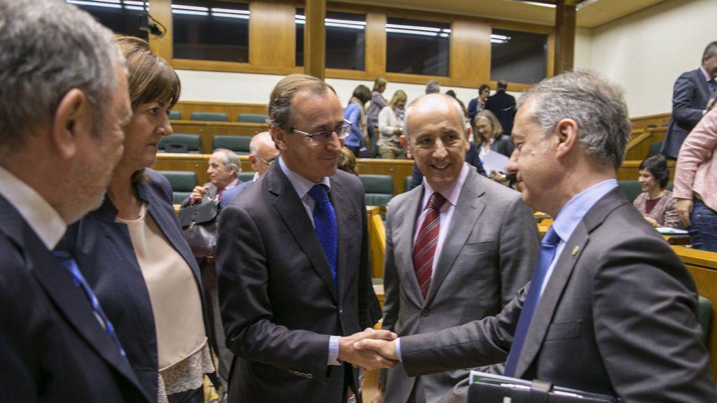 Gobierno y PNP negocian ya a contrarreloj los Presupuestos del Estado tras apoyar el PP las cuentas vascas