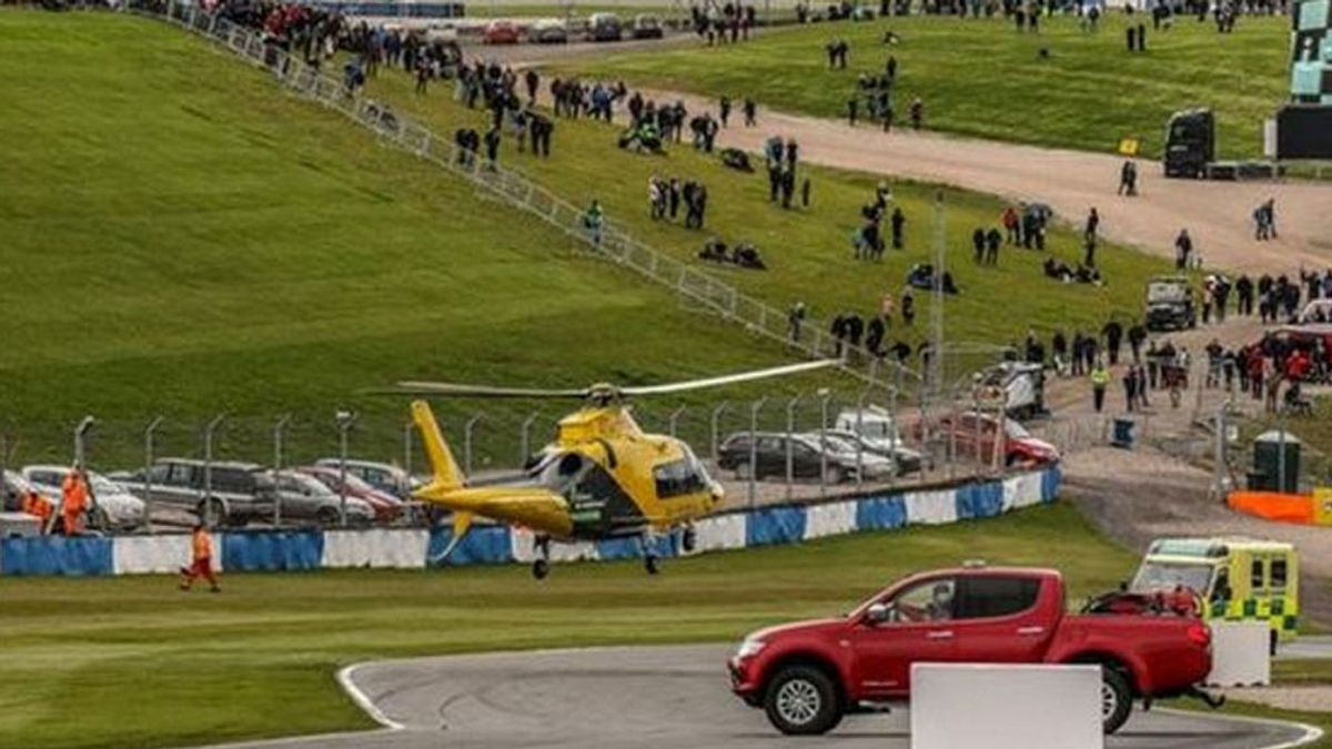 ¡Espeluznante! Un piloto de Fórmula 4 embiste a un coche que estaba parado en pista