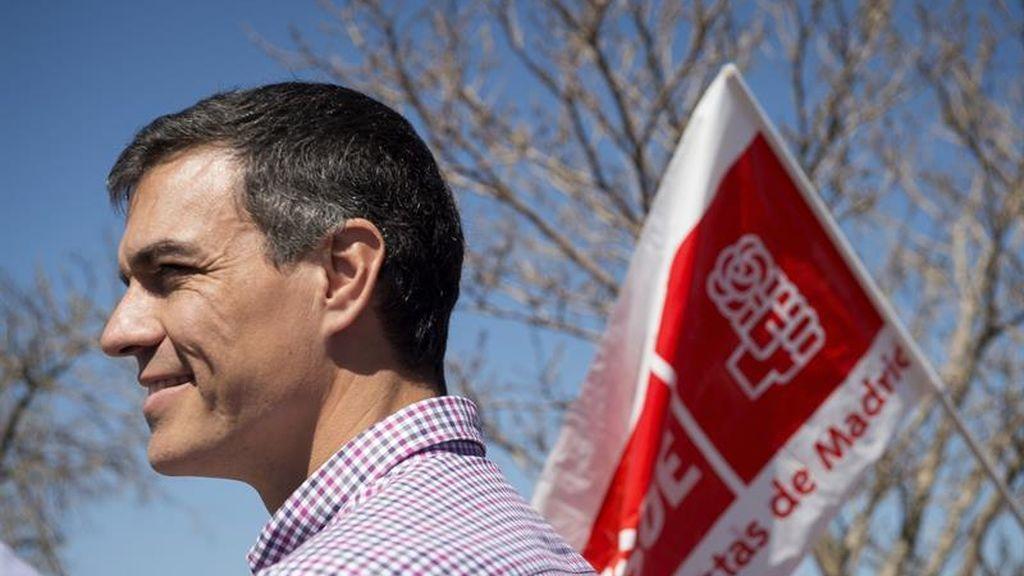 """El equipo de Pedro Sánchez muestra """"inquietud"""" por el censo y pregunta quién financia los actos de Susana Díaz"""