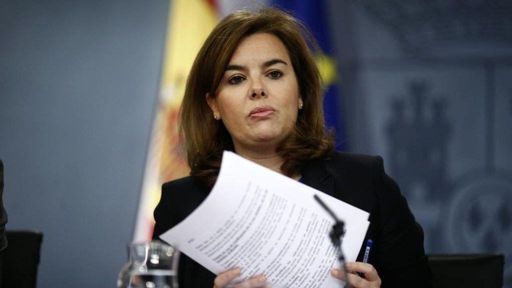 """El Gobierno ve """"antidemocrático"""" y """"pueril"""" el 'tramabús' de Podemos"""