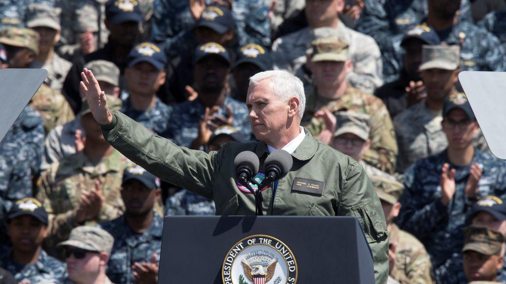 El vicepresidente de EEUU, Mike Pence, arenga a las tropas en Japón