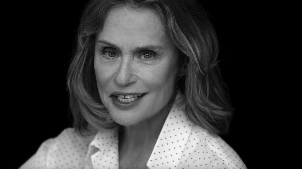 Lauren Hutton posa desnuda a sus 73 años para Calvin Klein