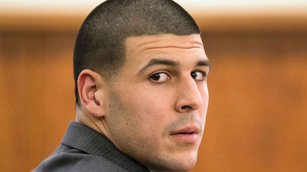 Aaron Hernández, ex jugador de los Patriots de New England, se suicida en la cárcel