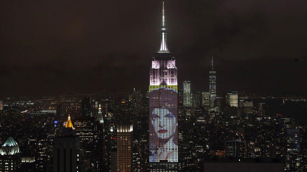 El Empire State celebra el 150 aniversario de la revista Harper's Bazaar