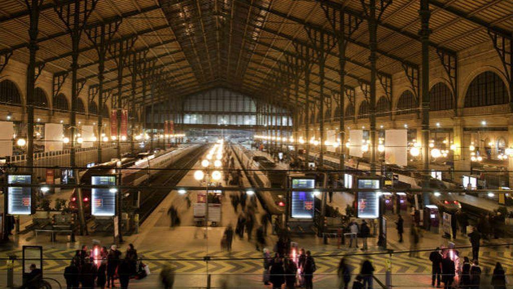 Detenido un individuo en la estación de tren parisina de Gare Du Nord por pasearse con un cuchillo