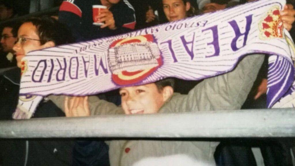 Lucas Vázquez anima El Clásico con una foto suya de niño en el Bernabéu