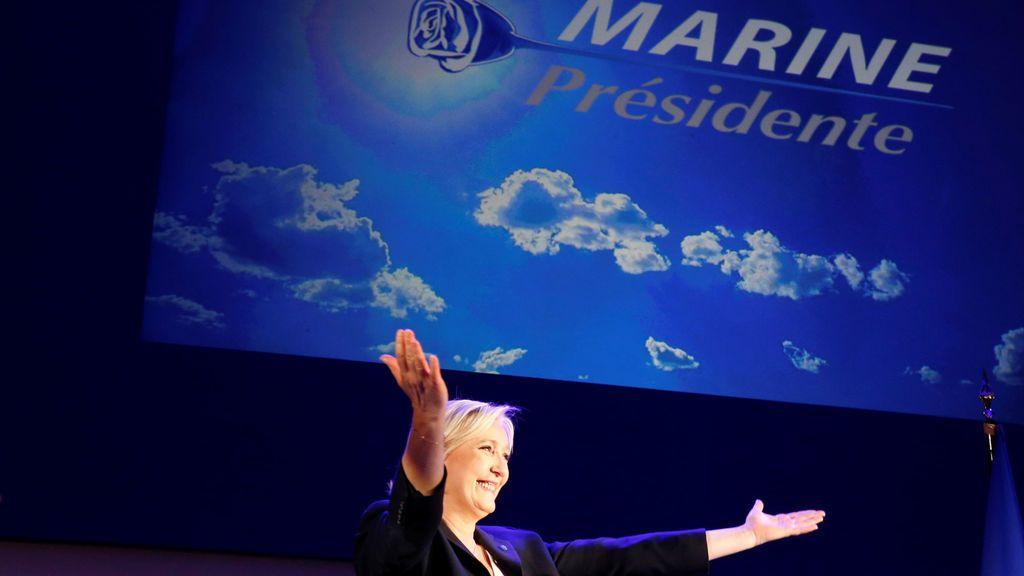 """Le Pen se presenta como la """"candidata del pueblo"""" e insta a aprovechar la """"oportunidad histórica"""""""