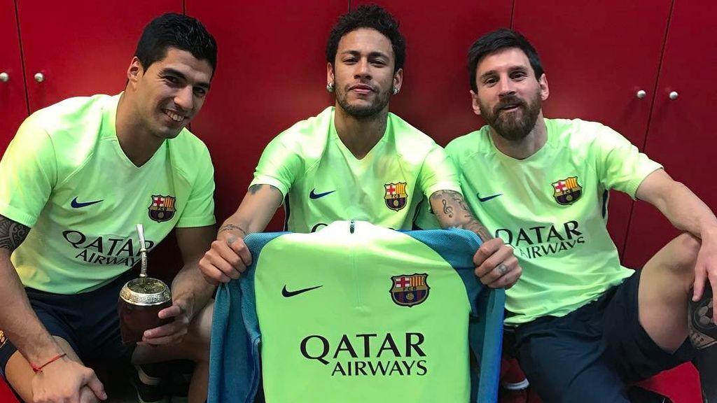 Neymar reune a la MSN para celebrar los 500 goles de Messi con el Barça