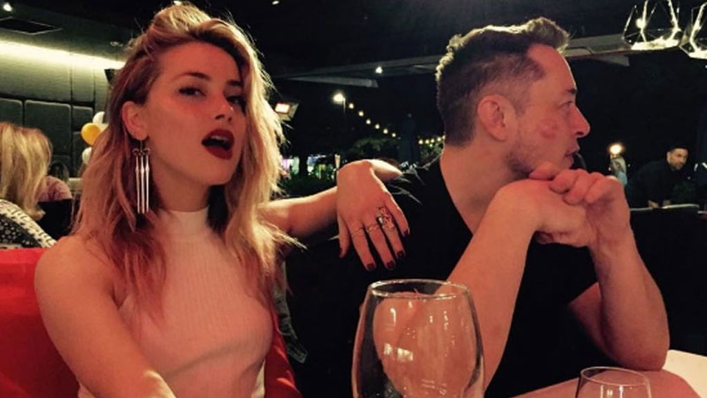 Amber Heard y Elon Musk hacen oficial su relación en redes