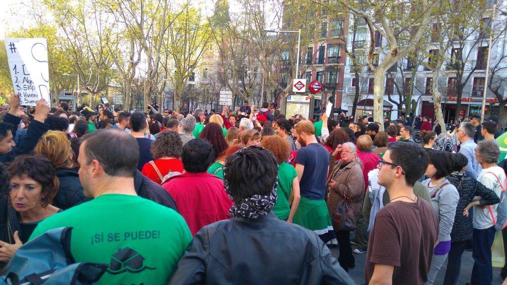 ¿Piensas manifestarte frente a la sede del PP?, amenazan con multarte