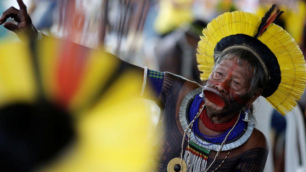 Manifestación contra la violación de derechos de los pueblos indígenas en Brasilia