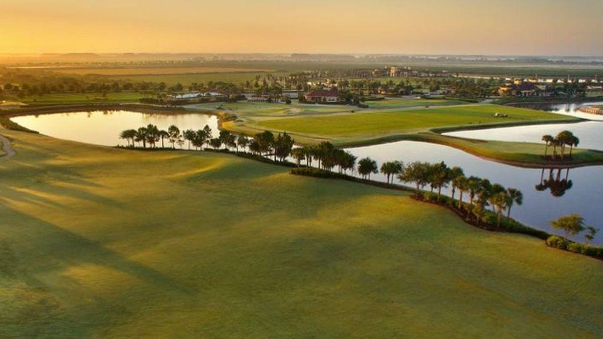 Espectacular pelea a muerte entre dos caimanes en un campo de golf de Estados Unidos
