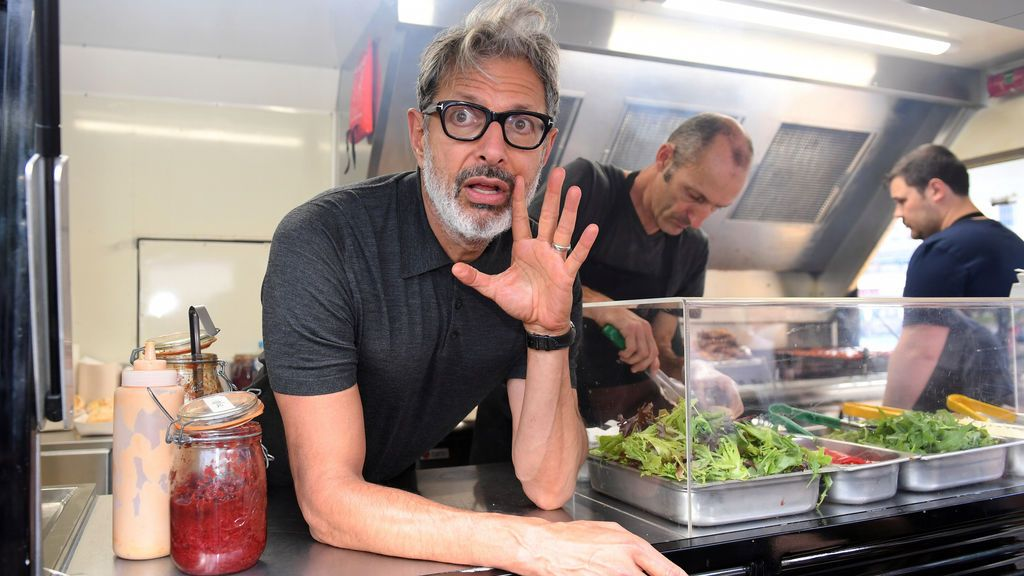 Jeff Goldblum vende perritos
