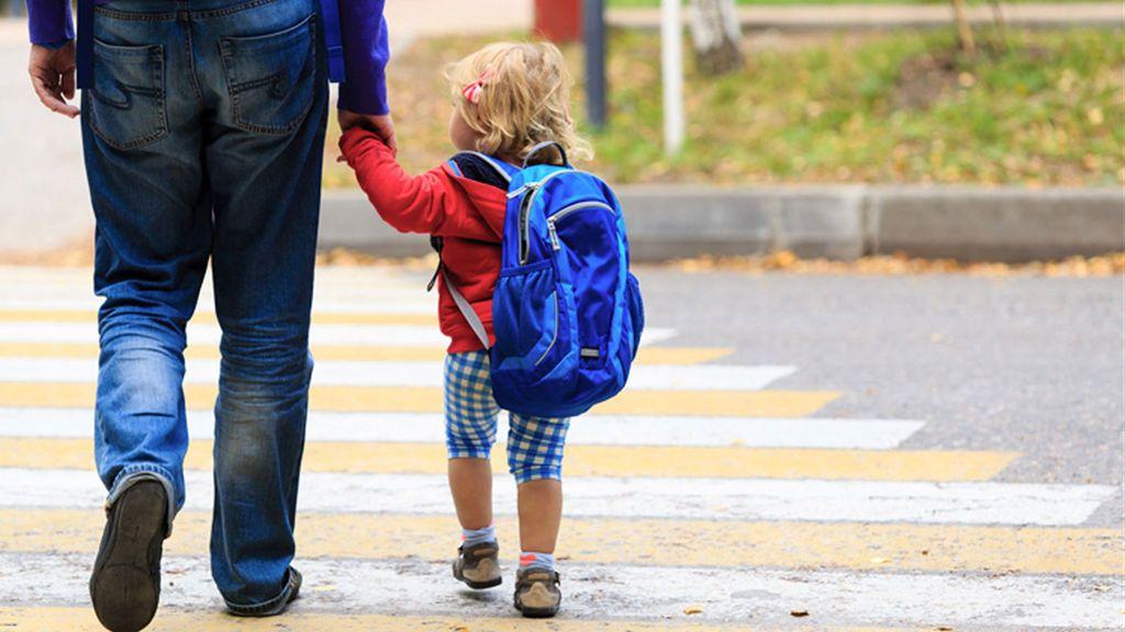 Bruselas apuesta por una vuelta a lo social: Un permiso de 4 meses retribuido para cuidar a los hijos
