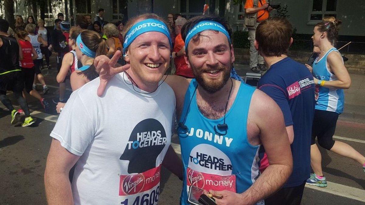 Evitó que se suicidara desde un puente, se hicieron amigos y ahora han terminado juntos la maratón de Londres