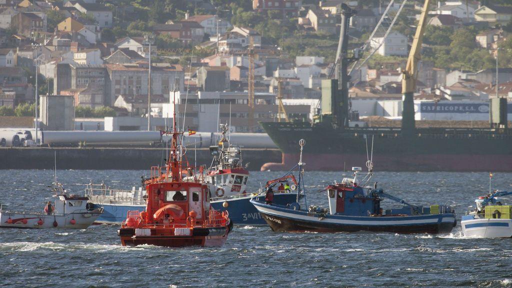Buscan a un marinero desaparecido en un naufragio en Pontevedra