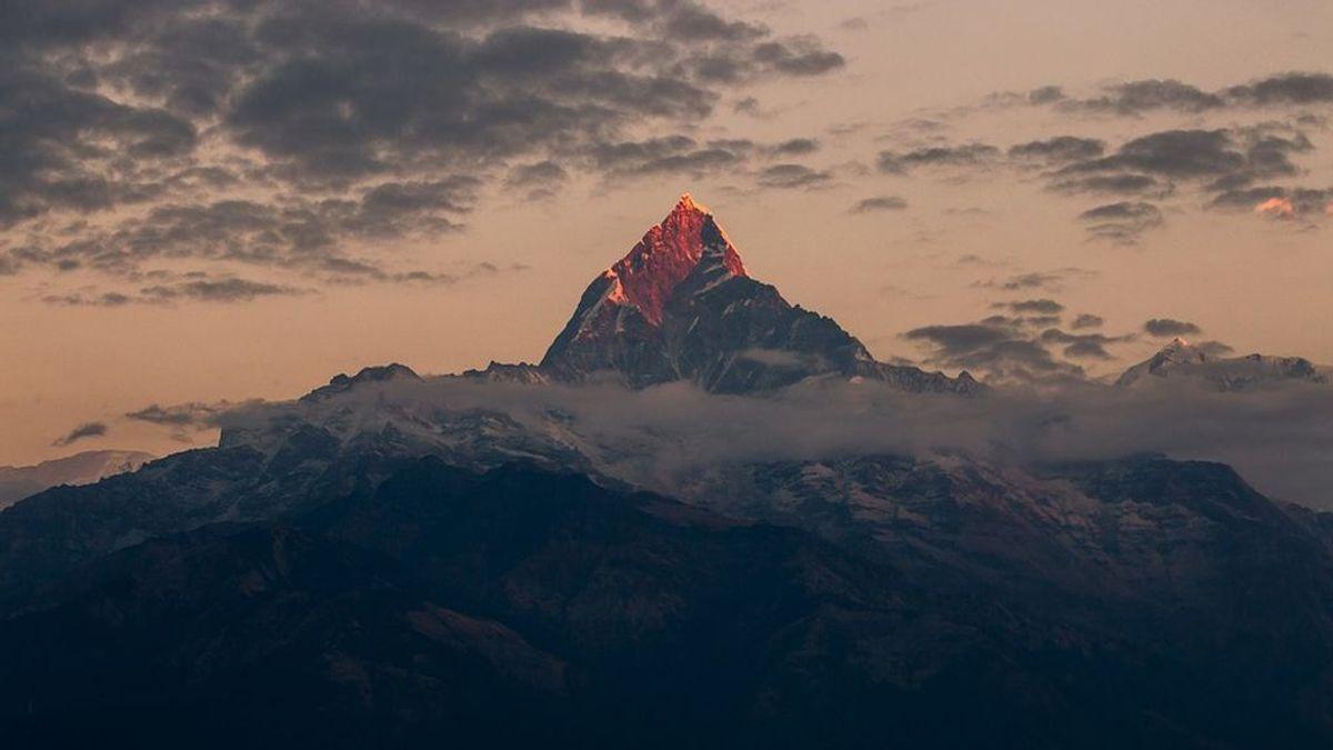 Encuentran a un alpinista taiwanés que sobrevivió tras 47 días perdido en el Himalaya