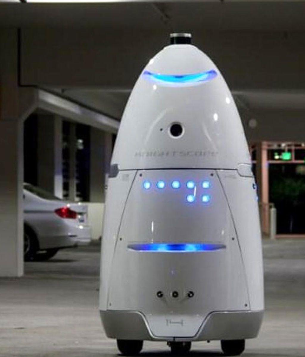 Un hombre borracho agrede a un robot que custodiaba un aparcamiento en Mountain View