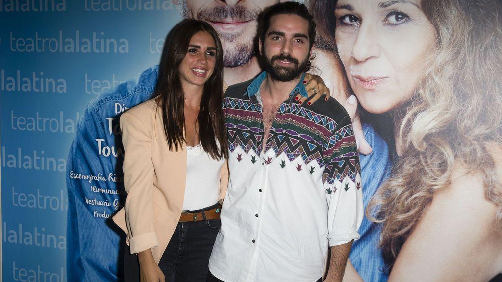 Elena y Guillermo Furiase apoyan a Lolita en el estreno de 'Prefiero que seamos amigos'