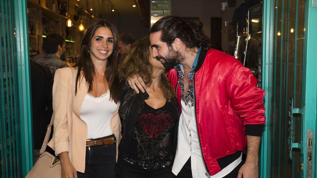 Elena y Guillermo Furiase apoyan a Lolita en el estreno de su obra
